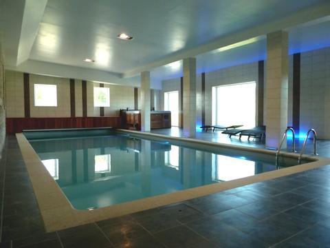 Vakantiehuis met binnenzwembad voor 47 personen in de Ardennen